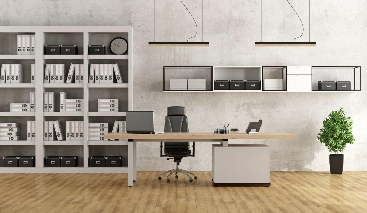 Trwałe meble do biura – co wybrać?