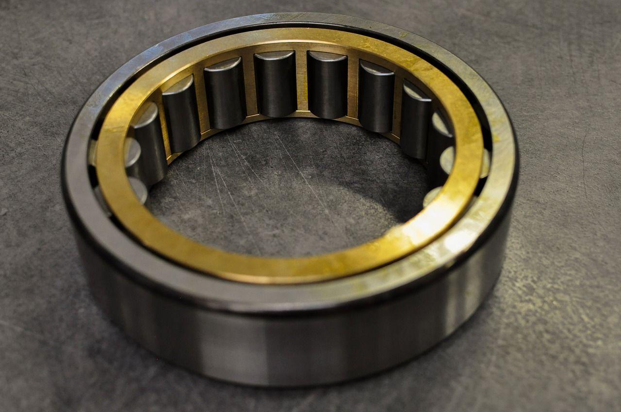 Jakie niezbędne części wykorzystuje się w maszynach przemysłowych?