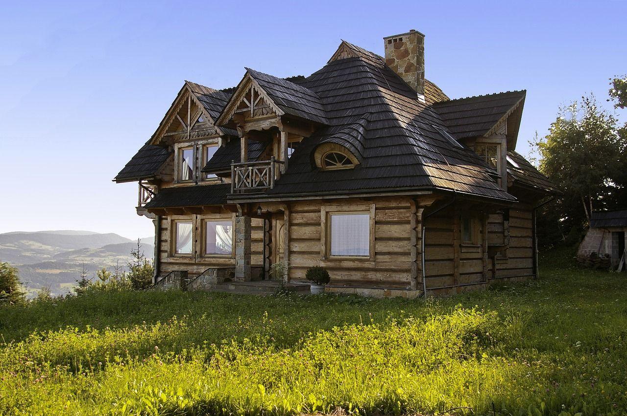 Dlaczego warto się zdecydować na kupno domku drewnianego?