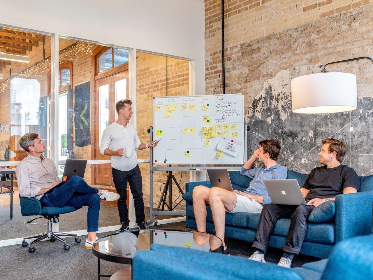 Jakimi sposobami można poprawić poprawić komunikację w zespole?