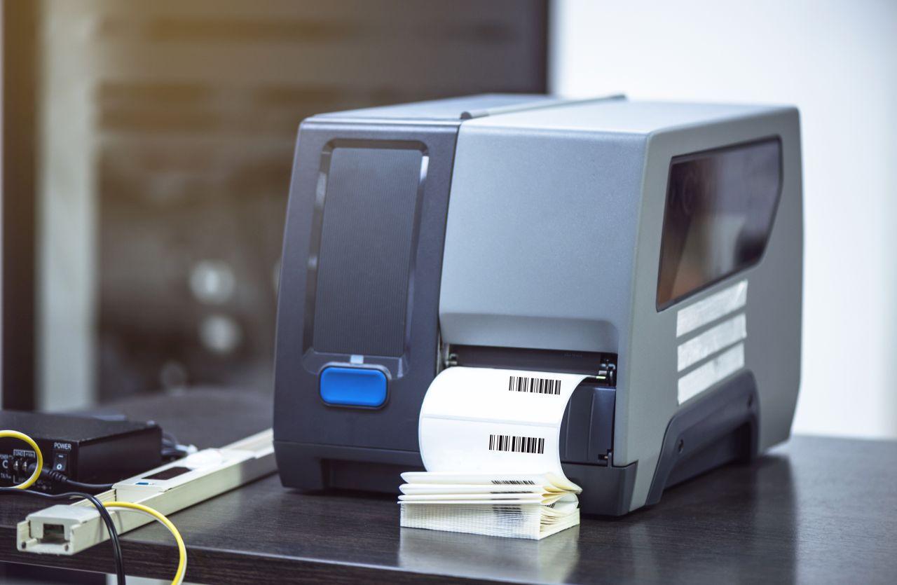 Jakie cechy powinna spełniać drukarka kodów kreskowych?