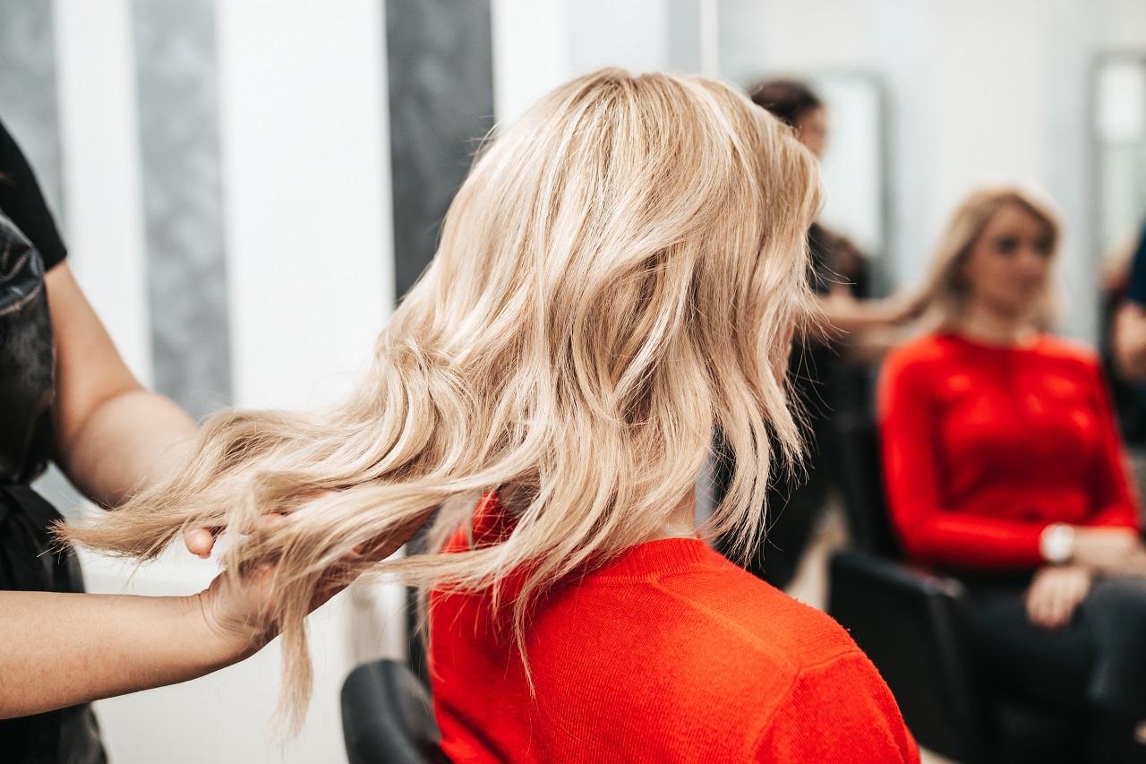 Jak dobrać kolor włosów do cery?