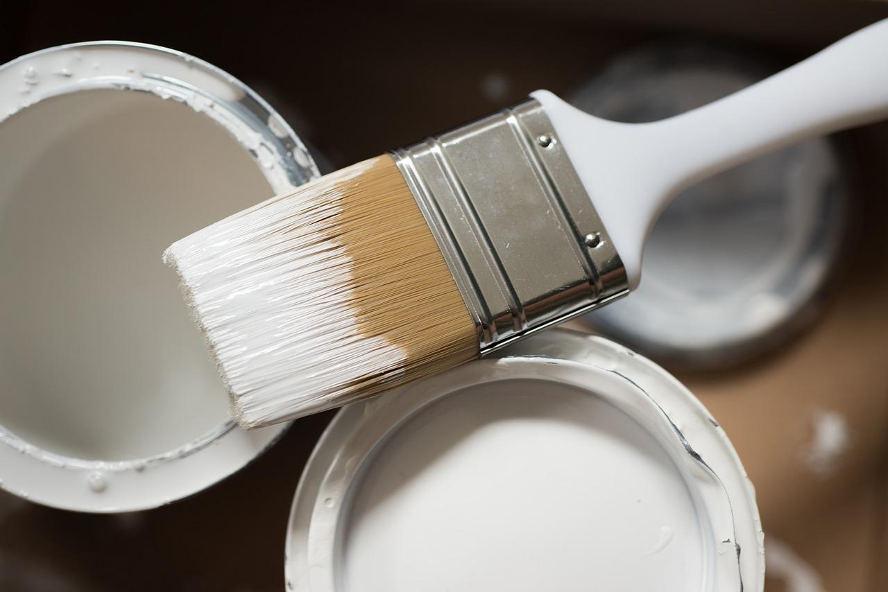 Farba epoksydowa – czym jest i do czego służy?