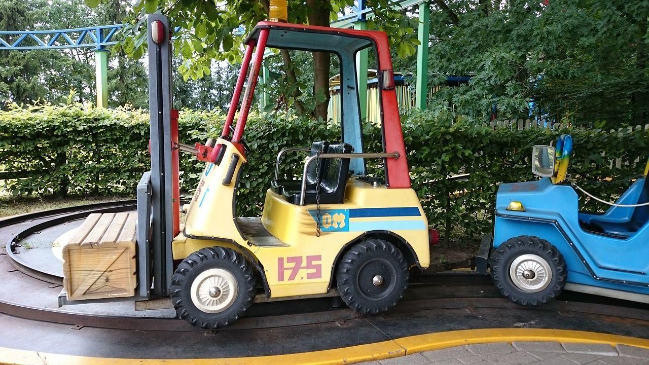 Serwis wózków widłowych – jakie działania obejmuje
