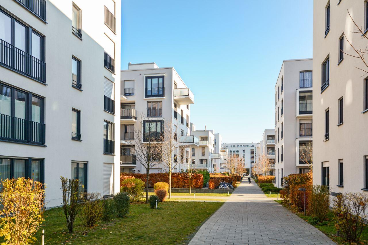 Branża nieruchomości – jak skutecznie reklamować posiadłości?
