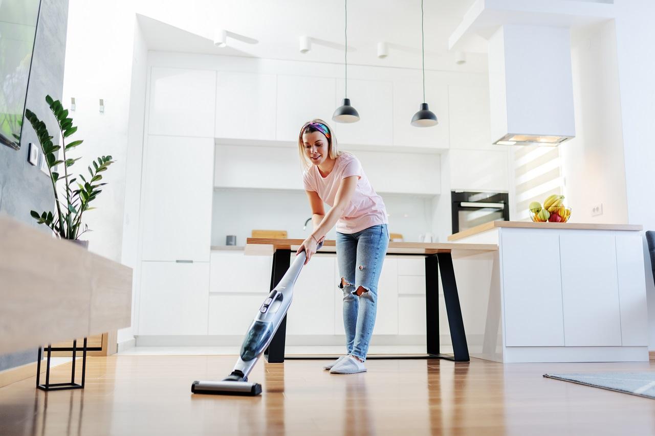 Akcesoria do sprzątania które powinny znaleźć się w każdym domu